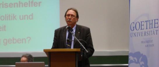 Karlheinz Weimar beim Vortrag