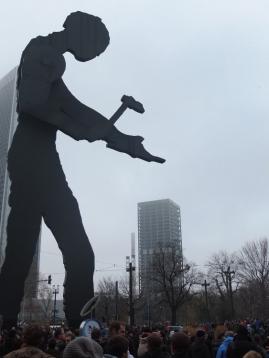 Hammering Man + AfE-Turm