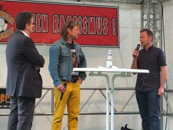 Stephan von Ploetz vom Fanprojekt erläutert die Initiave